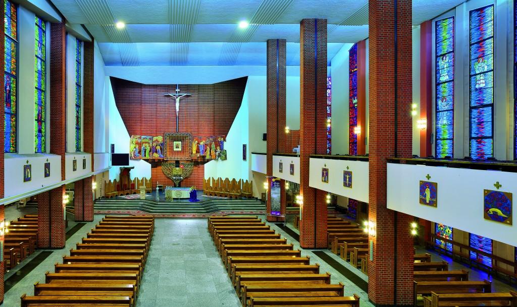 !Wnętrze kościoła MBNP NEW